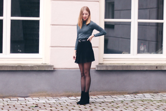 Janne B - H&M Metallic Top, Urban Outfitters Pleated Skirt, Invito Black Boots - Party Proof