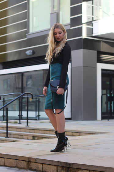Laura Rogan - Primark Roll Neck, Missguided Skirt, Primark Bag, Ego Boots - NYE: The Roll Neck and Pencil Skirt