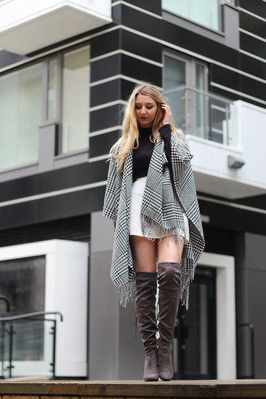 Laura Rogan - Blue Vanilla Cape, Ego Boots - The Dogtooth Blanket Cape