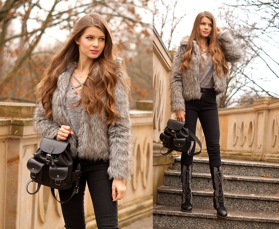 ZOYA Onlymyfashionstyle.blogspot.com - Sorel Boots, Vooc Backpack, Fur, Jeans, Jewelry - BLACK & GREY