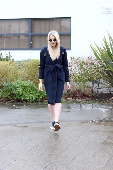 Charlotte Buttrick Lewis - The Fifth Label Robe Coat, Vans Old Skool, Rayban Round Sunglasses - Minimal Scandi Cool