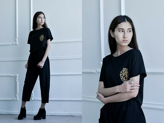 Anel - Dndwear T Shirt; Pant - Lovely black