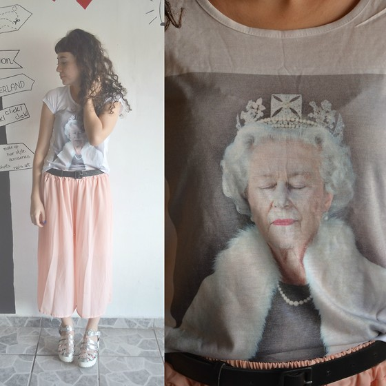 Luiza Moraes - Spoil T Shirt - Save the queen