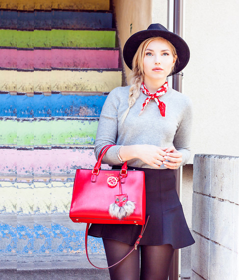 Elle - Henri Bendel Bag, Uniqlo Cashmere Sweater, Bershka Black Skirt - Red - www.cherryblossomstreet.com