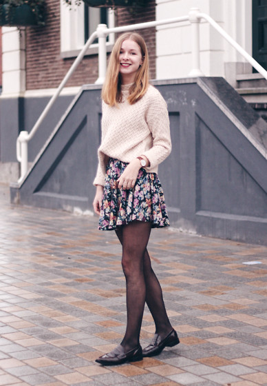 Janne B - Mango Herringbone Knit, Urban Outfitters Floral Skirt, Daniel Wellington Watch - Floral Again