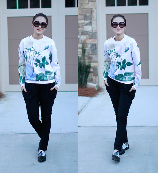 Ming Francis -  - Printed pullover and oxfords