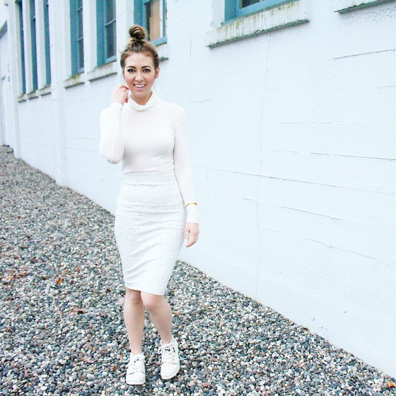 Christie Lohr - Zara White Turtleneck, Aritzia White Pencil Skirt, Dc Shoes White Sneakers - Kick It