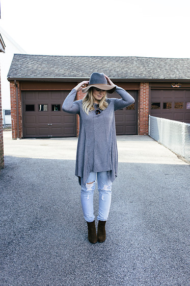 Britnie Harlow - Zara Color Blocked Fedora, Olive & Oak Dress (Worn As Tunic), Levi's® Distressed Denim, Vince Camuto Suede Ankle Boots - Shades of grey.