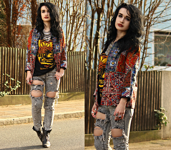 Tessa Diamondly - Zara Embroidered Jacket, The Doors Shirt, Ripped Jeans - In your head you can go anywhere.