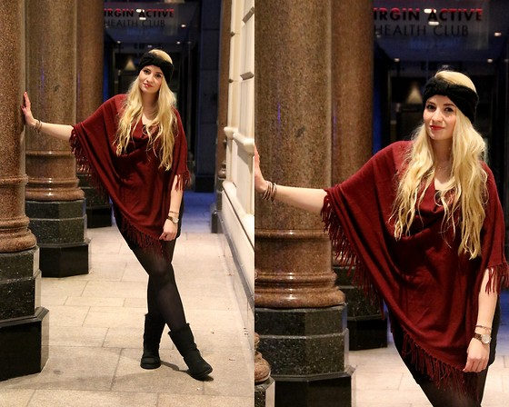 Vivien S. - New Look Poncho, H&M Dress, H&M Headband, Ugg Boots - Red Poncho