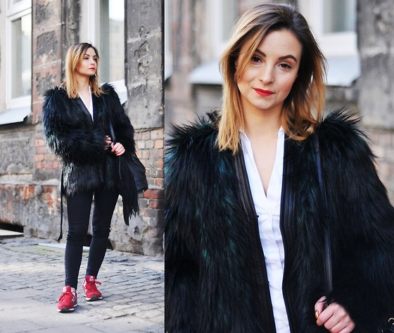 Barbara Kucharska - Balmain X H&M Faux Fur, Zara Shirt, Cubus Pants, Stradivarius Bag, New Balance Shoes - Street Style
