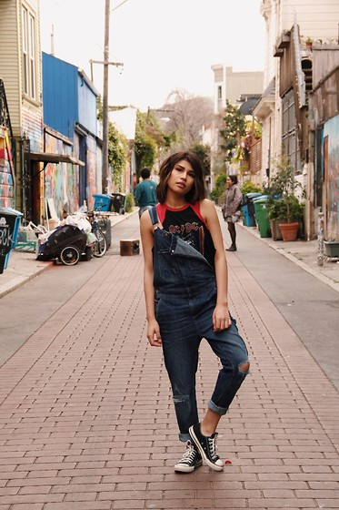 Carla Jazo - H&M Overalls - Happy Thursday