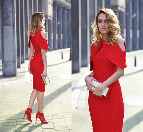 Ruxandra Ioana - Vesper Dress - Lady in Red