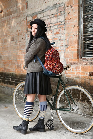 Yan Chen - H&M Black Hat, Uniqlo Ines De La Fressange Tweed Blazer, Eastpak X House Of Hackney Prints Backpack, Randompiece Leather Skirt, Dadanako Stockings, Randompiece Leather Boots - I can't ride actually