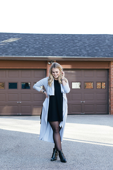Britnie Harlow - Santee Alley Trench Coat, Forever 21 Trapeze Dress, Asos Snakeskin Boots - Powder blue.
