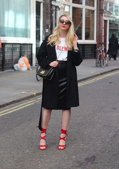 Laura Rogan - Missguided Tshirt, Missguided Skirt, Moschino Bag, Public Desire Shoes - London Fashion Week Day 5