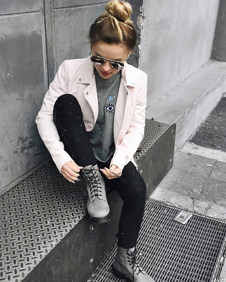 Romina M. - Dr. Martens, Subdued Sweater, Rut&Circle Leather Jacket - Martens