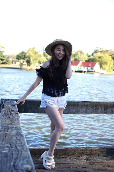 Eliza Tanudjaja - The Editor's Market Lace Over Shoulder Top, Lack Of Colour Straw Hat - White Denim