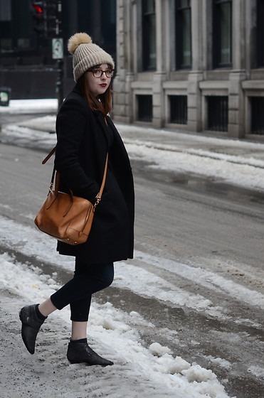 Dylan Leah - Sandro Sweater, Fossil Bag, Kenneth Cole Vintage Booties - My City My Style