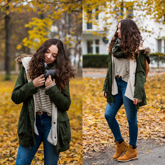 Gabriela Grębska - Sheinside Green Coat, Chicwish Backpack, Timberland Boots, Zara Green Scarf - Timberlands