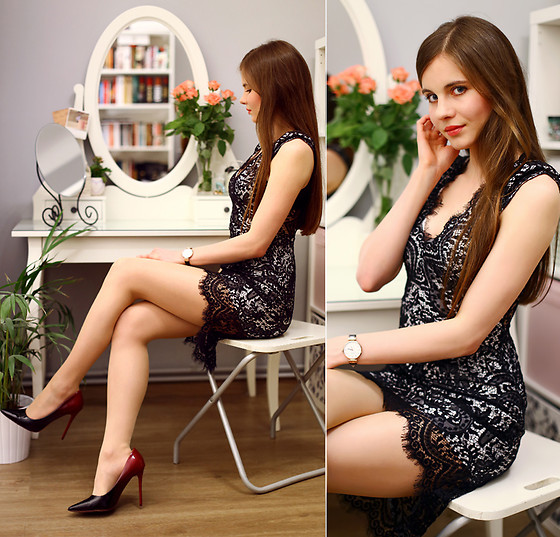 Ariadna M. - Black Lace Dress - Chic