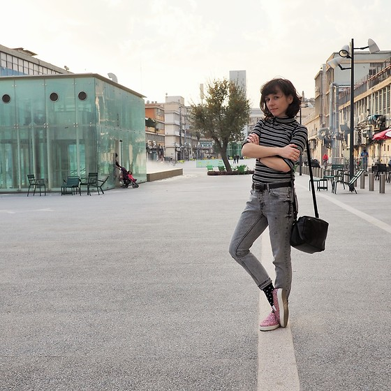 Fashionella ♥ - Mango Washed Gray Jeans, Zara Striped Shirt, Asos Sparkling Sneakers - Sparkling Sneakers