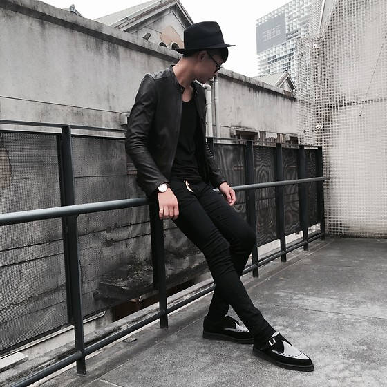 Anan Chien - Asos Hat, Josabank Leather Jacket, H&M Top, H&M Super Skinny, Underground Leather Shoes, Daniel Wellington Watch - All black