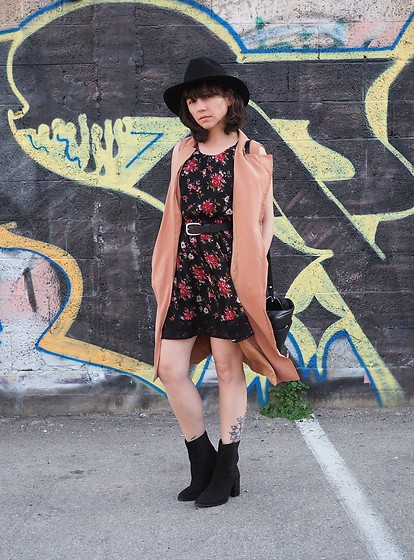 Fashionella ♥ - Forever 21 Floral Dress, Asos Blsck Boots - Floral Dress