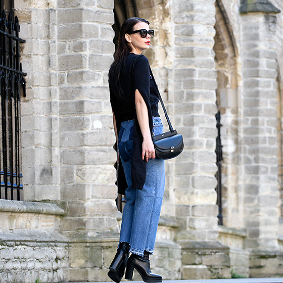 Iris . - Vetements Sweater, Vetements Jeans, Chloé Bag, Celine Sunglasses - VETEMENTS