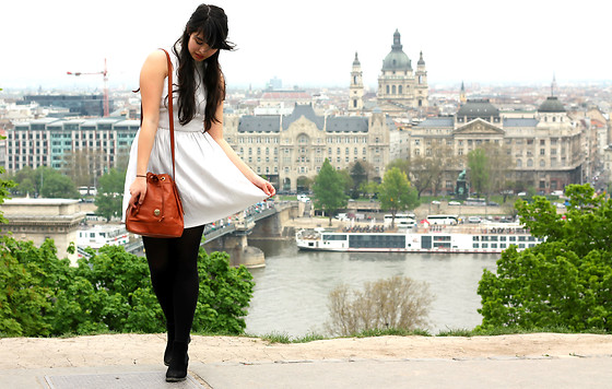 Lauren Evans - Afflecks Palace Dress, H&M Shoes - Budapest