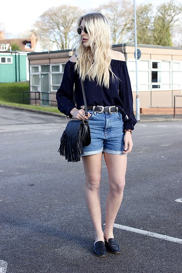 Charlotte Buttrick Lewis - Asos Mom Shorts, Topshop Loafer Mules, Revolve Off Shoulder Top, In The Style Tassel Bag - Styling ASOS Denim Mom Shorts