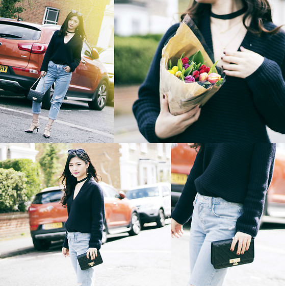 Katie - Club Monaco Knit Top, Topshop Mom Jeans, Chanel Wallet On Chain - Ins: Katie_AvecChic