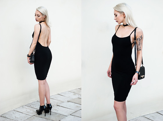 MONIKA S - Romwe Backless Bodycon Dress - PASS THIS ON