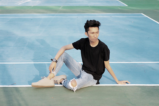 John Castillo - Penshoppe Long Line Tee, Bench Ripped Jeans, Guess Watch, Human Sneakers - Tennis Court Aesthetic