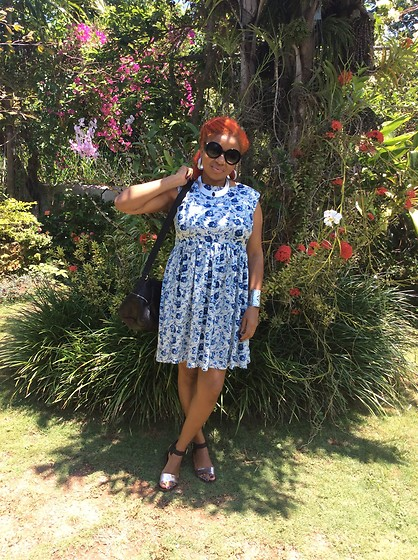 Keisha Campbnell - Asps Floral Dress, Free People Metallic Slippers, Zara Leather Bag, Zerouv Glasses - My aunt's garden