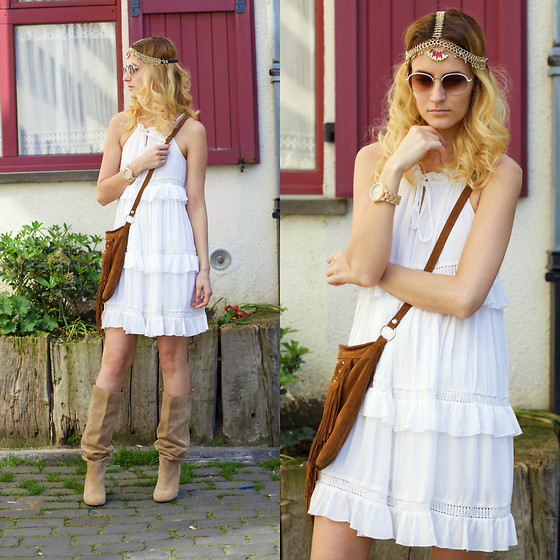 Ruxandra Ioana - Chic Wish Dress, Jord Wood Watch, Irresistible Me Head Accessory - Le boho