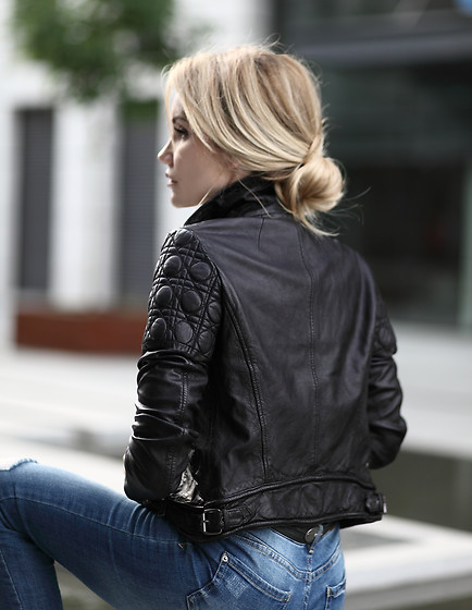 Silvia P. - Guess Jacket - BLACK LEATHER IS FOREVER