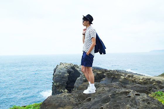 Anan Chien - Asos Hat, Tastemaker 達新美 Grid Shirt, Uniqlo Pants, Lacoste Shoes, Bershka Bomber Jacket - OOTD / Embrace of nature