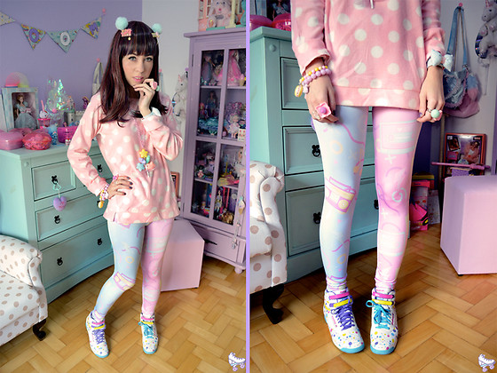Luly Pastel Cubes - Reebok Sneaker, Melty Melodies Leggings, L  Email Wig - Polka dots girl