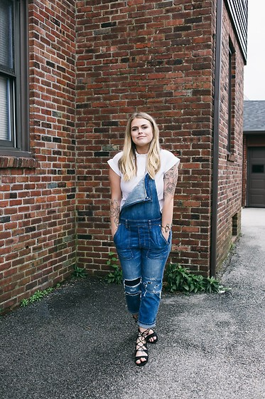 Britnie Harlow - American Eagle Outfitters Denim Overalls, Tj Maxx Short Sleeved Button Down, Asos Lace Up Sandals - Lace-ups + over-alls //