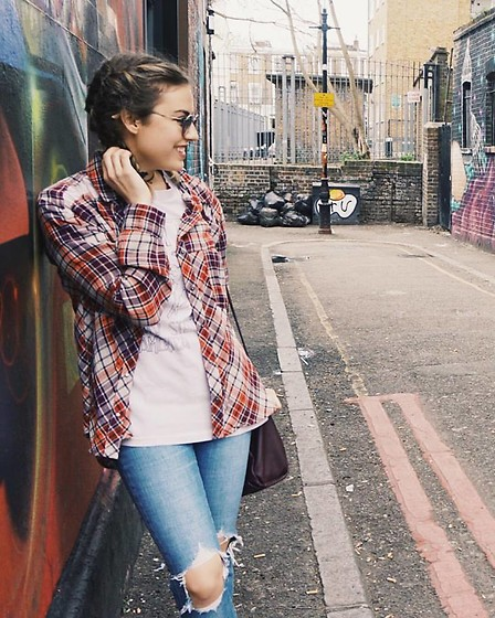 Chloe Parr -  - Casual Day in Camden