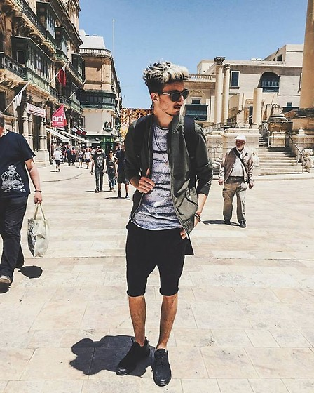 Matthew Grech - Marc By Jacobs Sun Glasses, Bershka Bomber Jacket, Pull & Bear T Shirt, Bershka Shorts, Nike Roshe Run - #1∆