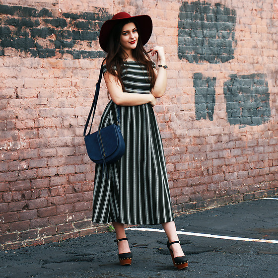 Carly Maddox - Chicwish Striped Dress, T Shirt & Jeans Navy Faux Leather Crossbody - Off-The-Shoulder