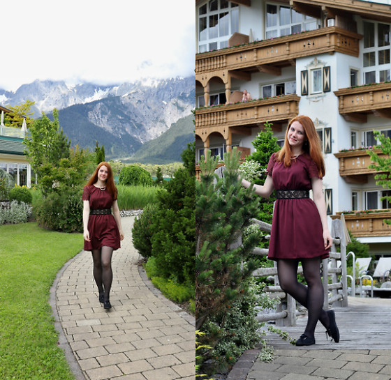 Lucka S. - Mango Dress - Alpenresort Schwarz