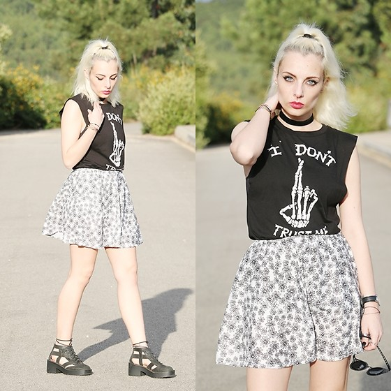 Cátia Gonçalves - Cndirect Floral Skirt, Style Moi T Shirt, Jeffrey Campbell Shoes Cut Out Boots - Step inside, see the devil in I