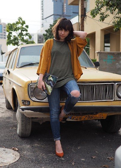 Fashionella ♥ - Topshop Ripped Jeans - Yellow Car