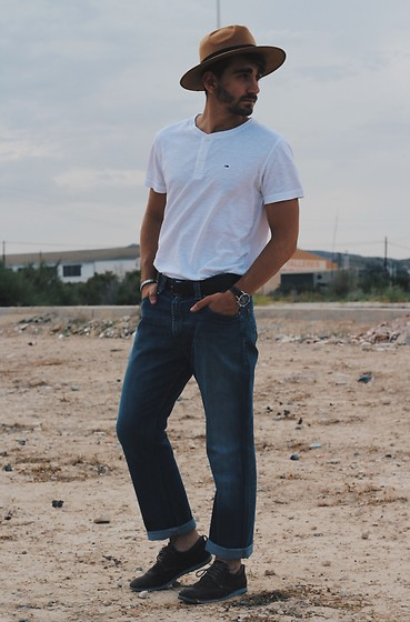 Jose Manuel Hernández - Levi's® Jeans, Tommy Hilfiger T Shirt, Cetti Shoes - Yes, classic jeans!