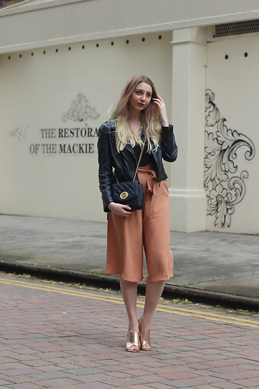Laura Rogan - Topshop Top, Missguided Culottes, Moschino Bag, Missguided Shoes - Peaches and Cream