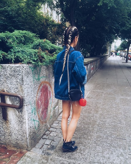Izabella - Mango Bag, Levi's® Jacket - Little red