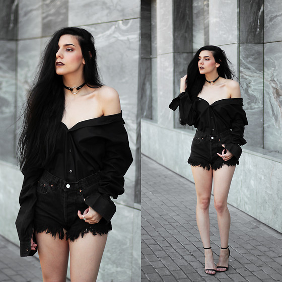 CLAUDIA Holynights - Zara Men's Shirt, Levi's® Vintage Shorts, Zara Strappy Shoes - All black